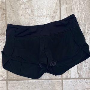 black lululemon shorts size 6
